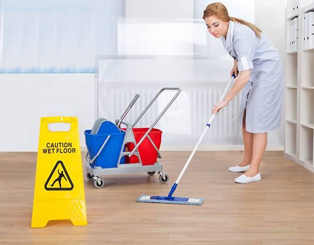 З яких причин прибирання офісу краще не виконувати самостійно?
