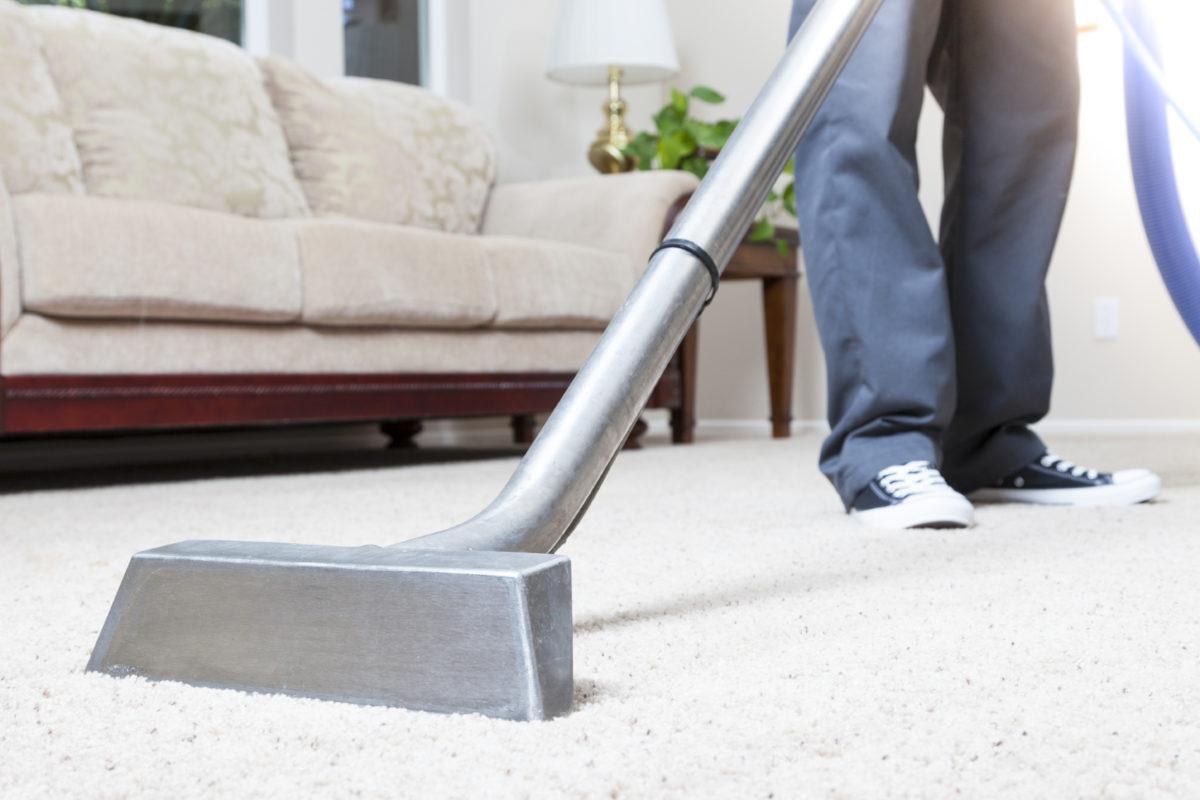 Хімчистка килимів: особливості та засоби